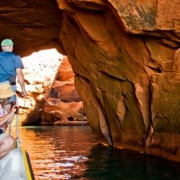 Photo d\'une grotte à ciel ouvert à Fatima