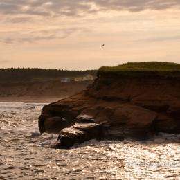 La mer se déchaînait sur cette falaise de la Grande-Entrée
