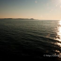 Lever de soleil sur le traversier vers l\'Île-d\'Entrée