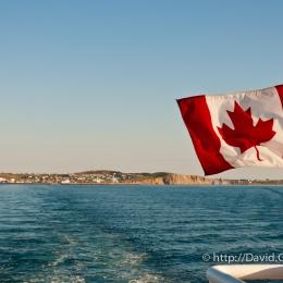 Inspirant comme drapeau sur le traversier vers l\'Île-d\'Entrée