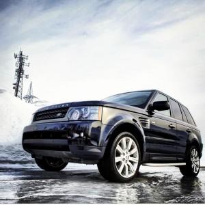 Land Rover par George Alexandar https://www.facebook.com/photo.php?fbid=10151167518650964&set=pb.509270963.-2207520000.1358604496&type=3&theater